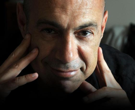 Εισαγωγή στη Μυθοπλασία με τον συγγραφέα Βαγγέλη Ραπτόπουλο